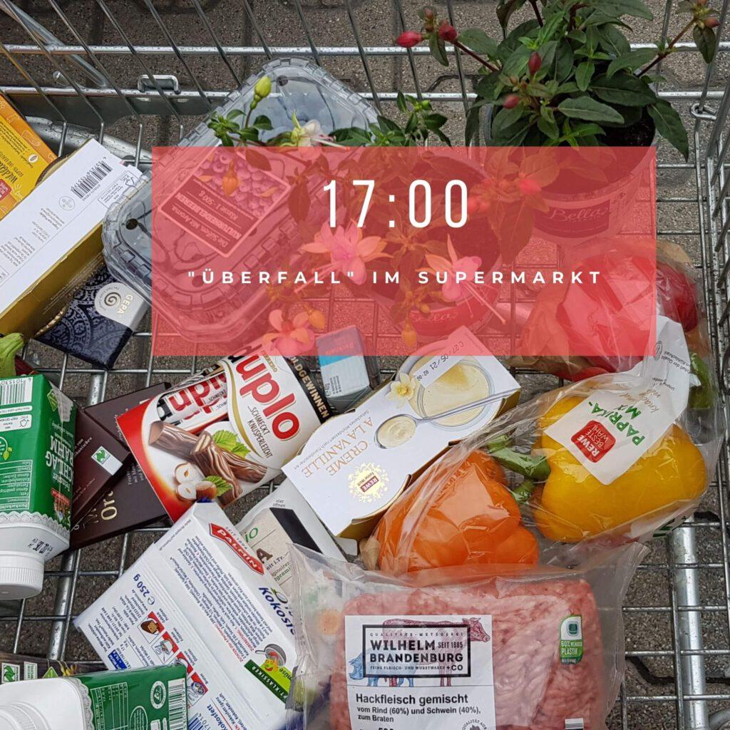 Einkäufe im Einkaufswagen